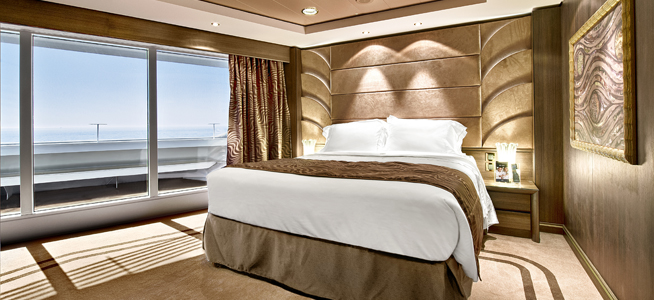 Yacht Club Deluxe Suite (for guest with disabilities)